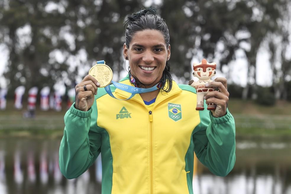 Ana Marcela Cunha, medalha de ouro, Pan de Lima, águas abertas — Foto: Wander Roberto/COB