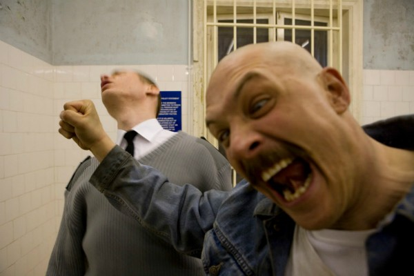 Tom Hardy interpretou Charlen Bronson em 2008 no filme 'Bronson' (Foto: Divulgação)