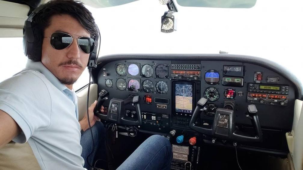 Piloto Cleiton Figueiró Rodrigues, de 27 anos, está desaparecido — Foto: Facebook/Reprodução