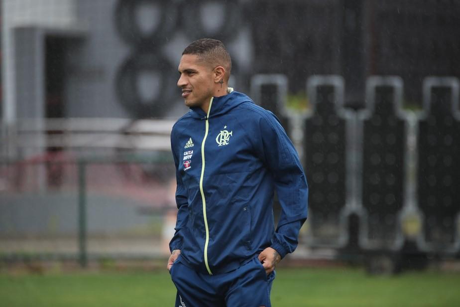 Contagem regressiva: Guerrero volta ao Flamengo e ensaia retorno aos campos