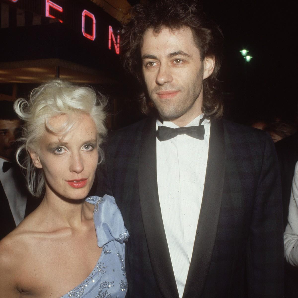 Paula Yates e Bob Geldof demonstraram toda sua extravagância com o nome das filhas Peaches (Pêssegos), Pixie e Fifi Trixibelle (Foto: Getty Images)