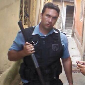 Três PMs são baleados nas zonas Norte e Oeste do Rio