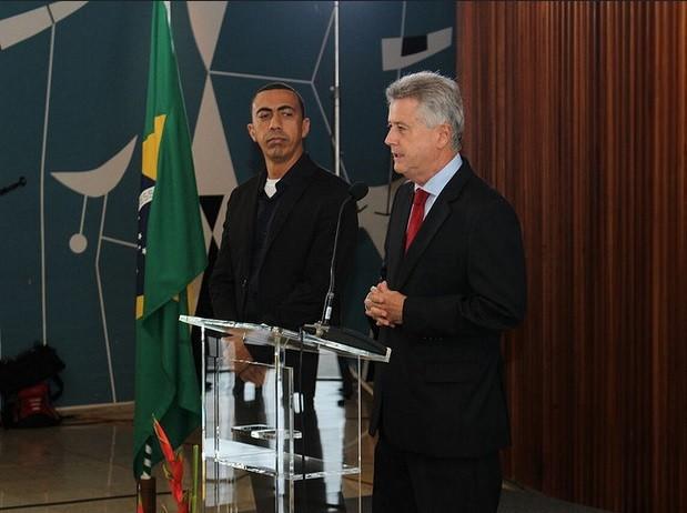 O vice-governador, Renato Santana, e o chefe do Executivo do DF, Rodrigo Rollemberg (Foto: Ozimpio Sousa/Divulgação)