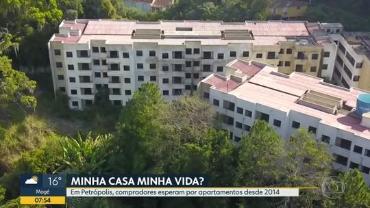 Obras de condomínio do Minha Casa Minha Vida, em Petrópolis, estão paradas desde 2014