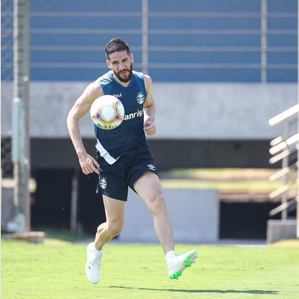 Marcelo Oliveira em treino do Grêmio — Foto: Lucas Uebel/Grêmio