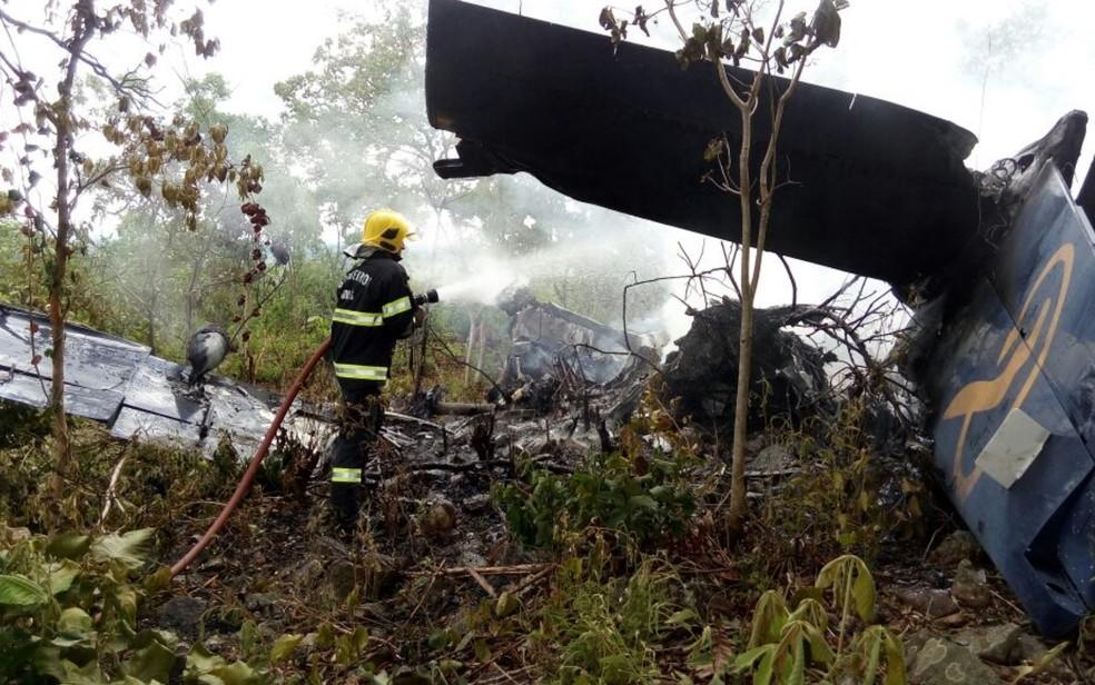 [Brasil] Avião cai na cidade de Goiás, e passageiros sobrevivem Aviao