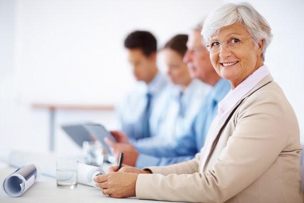 Resultado de imagem para idosos no trabalho