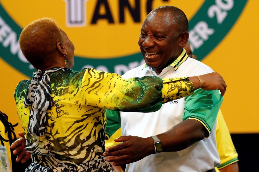 Cyril Ramaphosa, vice-presidente da África do Sul, é eleito líder do partido CNA (Foto: Siphiwe Sibeko/ Reuters)