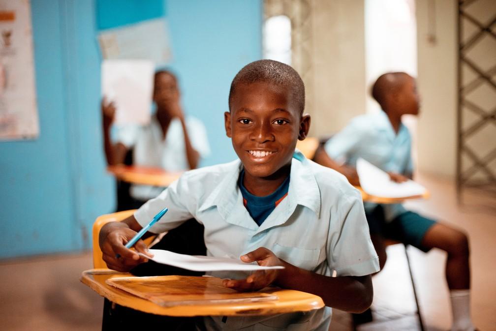 Acesso de negros a escolas do país aumentou nos últimos 10 anos, mas ainda há desafios para o ensino da cultura e história afro-brasileira e para o enfrentamento ao racismo. — Foto: Ben White/Unsplash