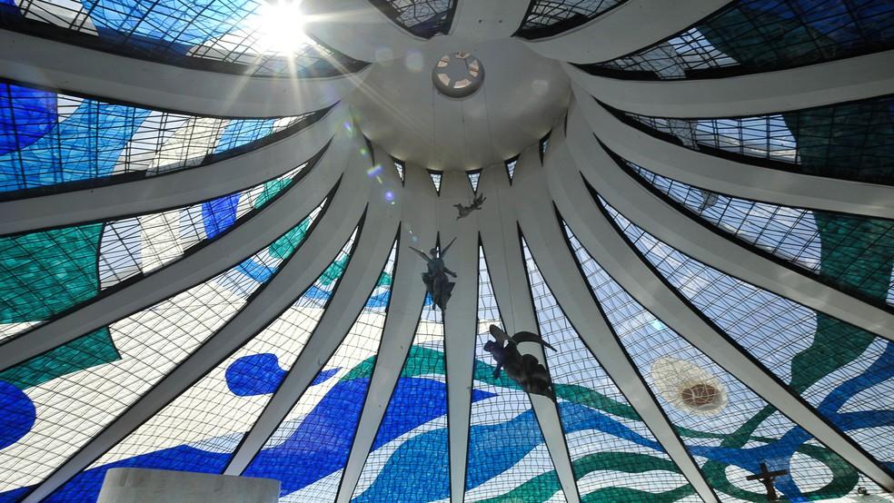 Interior da Catedral Metropolitana de Brasília (Foto: Marcello Casal Jr./ Agência Brasil)
