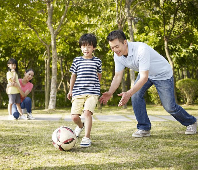 No Brasil, 97% dos pais concordam que regras e supervisão são uma boa maneira de garantir a segurança dos filhos /Divulgação (Foto: Divulgação)