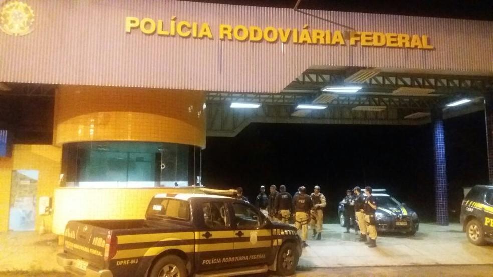 Criminosos atacaram a unidade operacional da Polícia Rodoviária Federal (PRF) em Açailândia (MA). (Foto: Divulgação/Polícia Rodoviária Federal)