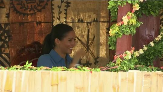 Meghan Markle chora de rir em evento com o príncipe Harry