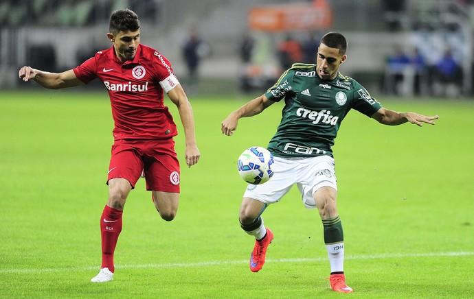 Alex e Gabriel Palmeiras x Internacional (Foto: Marcos Ribolli)