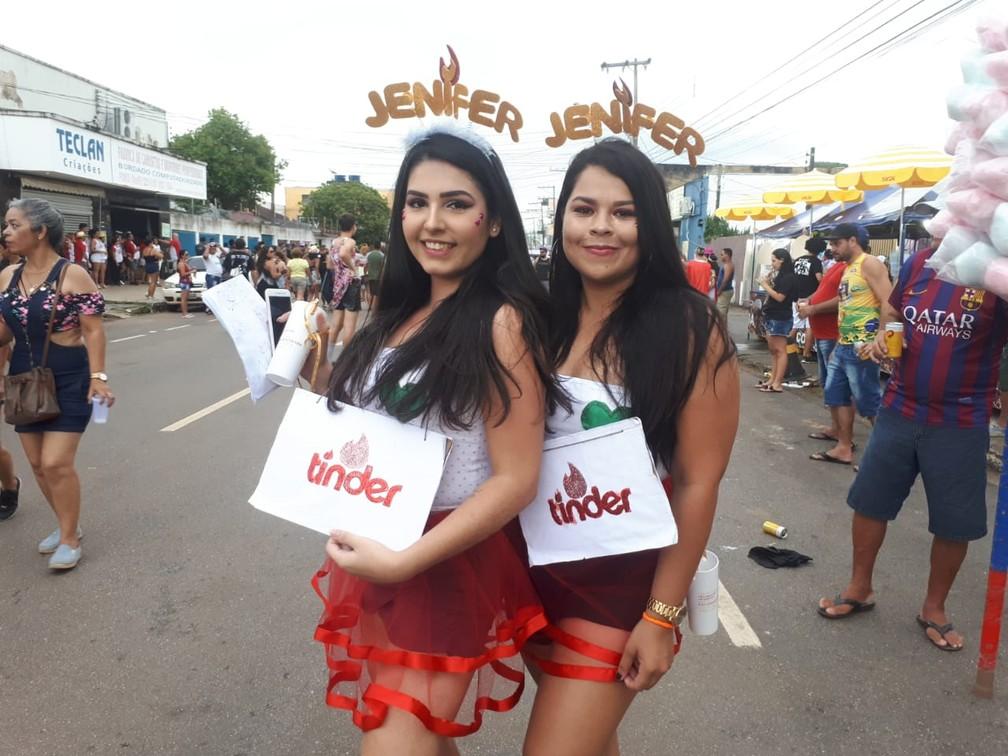 """""""Jenifers"""" curtem o carnaval no embalo do desfile do BQVV em Porto Velho.  — Foto: Ana Kézia Gomes/G1"""