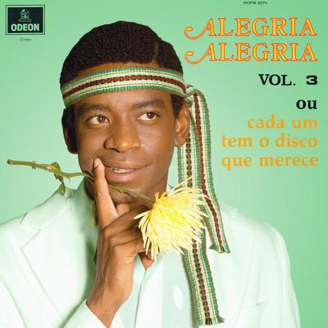 Fabricio Boliveira como Wilson Simonal na capa do disco 'Alegria, alegria' (Foto: Divulgação)