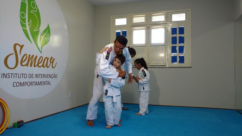 Instituto Semear trabalha o judô com crianças com autismo (Foto: Juscelino Filho)