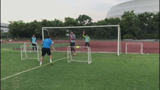 Na Ásia há oito meses, ex-goleiro do Santos supera desafios e enaltece futebol chinês