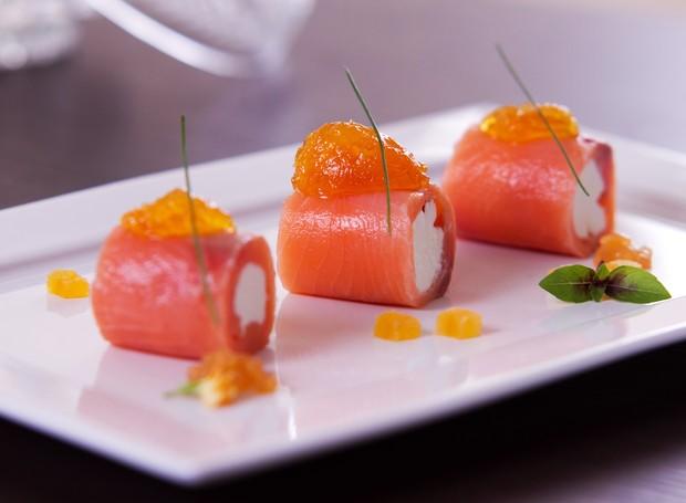 Receita de rolls de salmão com geleia de frutas, do do chef André Boccato (Foto: Cristiano Lopes/Divulgação)