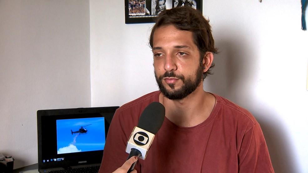 Fotógrafo saiu de Vila Velha e foi até Brumadinho, Minas Gerais, acompanhar as buscas  — Foto: Reprodução/TV Gazeta