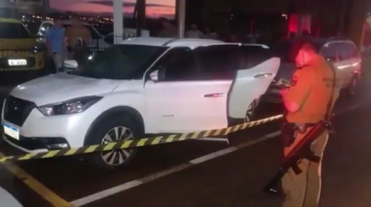 Empresário morre após ser baleado dentro de carro, em Toledo