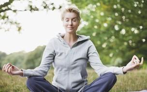 Veja como meditar ajuda a descansar a mente e o corpo