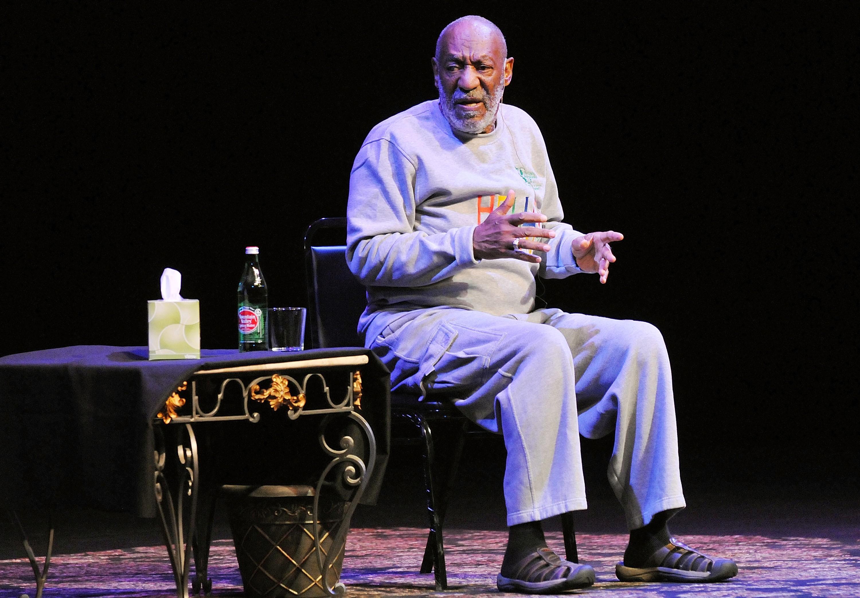 Recentemente acusado de estupro, o comediante Bill Cosby também é lembrado por suas gorjetas tímidas: ele pagou US$3 de serviço para uma conta de jantar que ficou em US$375 e deu menos de um dólar para um funcionário de hotel que carregou seis de suas mal (Foto: Getty Images)