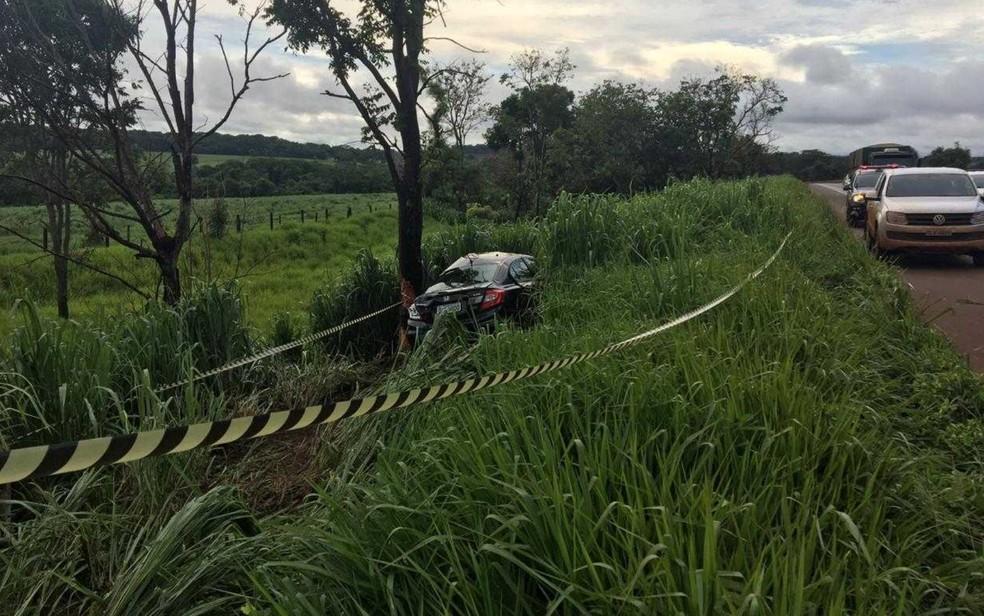Carro de vereadora sequestrada é encontrado batido às margens da BR-452, em Bom Jesus de Goiás — Foto: Divulgação/ Polícia Civil