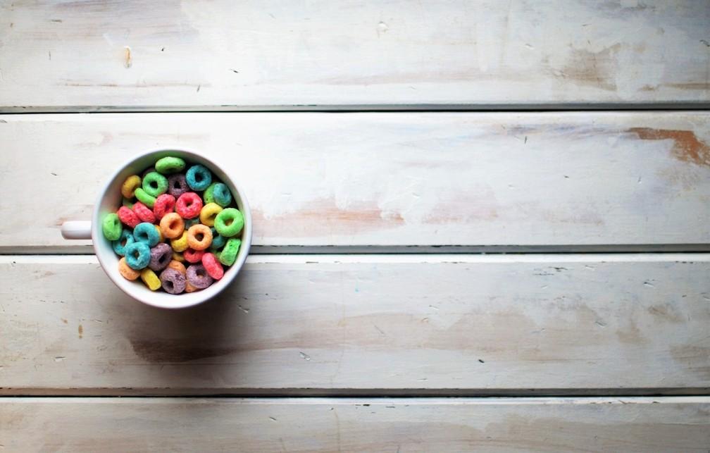 Imagem de cereais adocicados de café da manhã — Foto: Twinsfisch/Unsplash