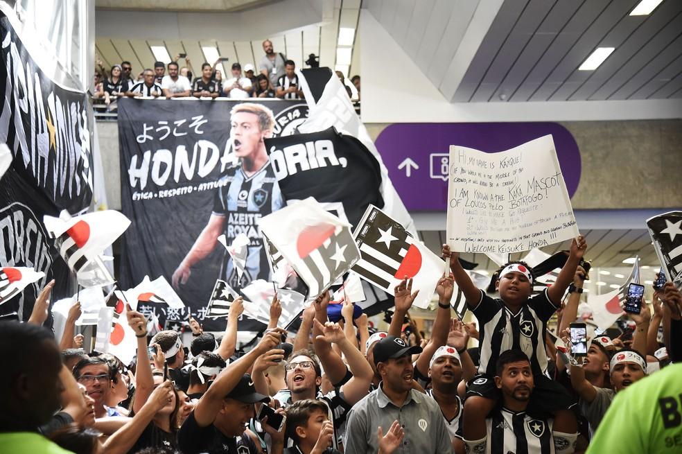 Torcida Botafogo Honda aeroporto — Foto: André Durão