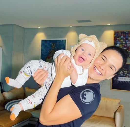 Kyra Gracie com o filho, Rayan (Foto: Reprodução)
