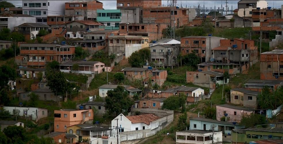 Tiroteio foi registrado no bairro Cacique, em São Mateus, no ES — Foto: Reprodução/ TV Gazeta