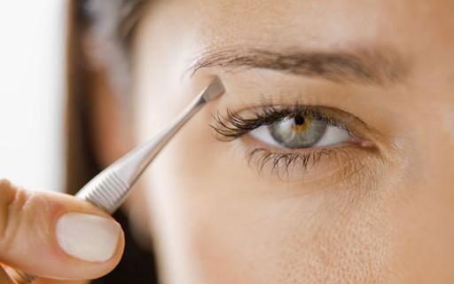 Especialista desvenda 6 mitos e verdades sobre as sobrancelhas