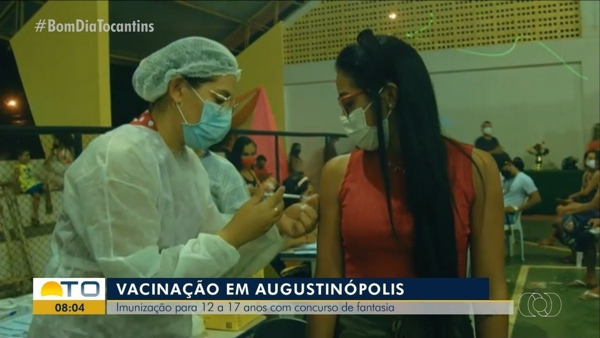 Prefeitura faz concurso de fantasia em ação para vacinar adolescentes contra a Covid-19 em Augustinópolis