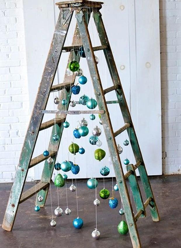 Árvore na escada (Foto: Pinterest/Reprodução)