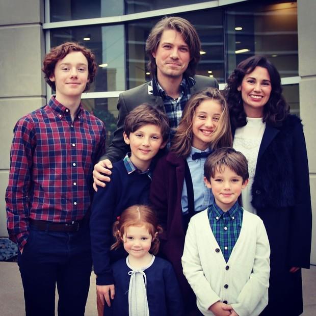 Taylor Hanson e família (Foto: Reprodução)