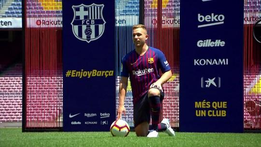 Estrutura, idioma e fome de título: Arthur comemora nova realidade no Barça