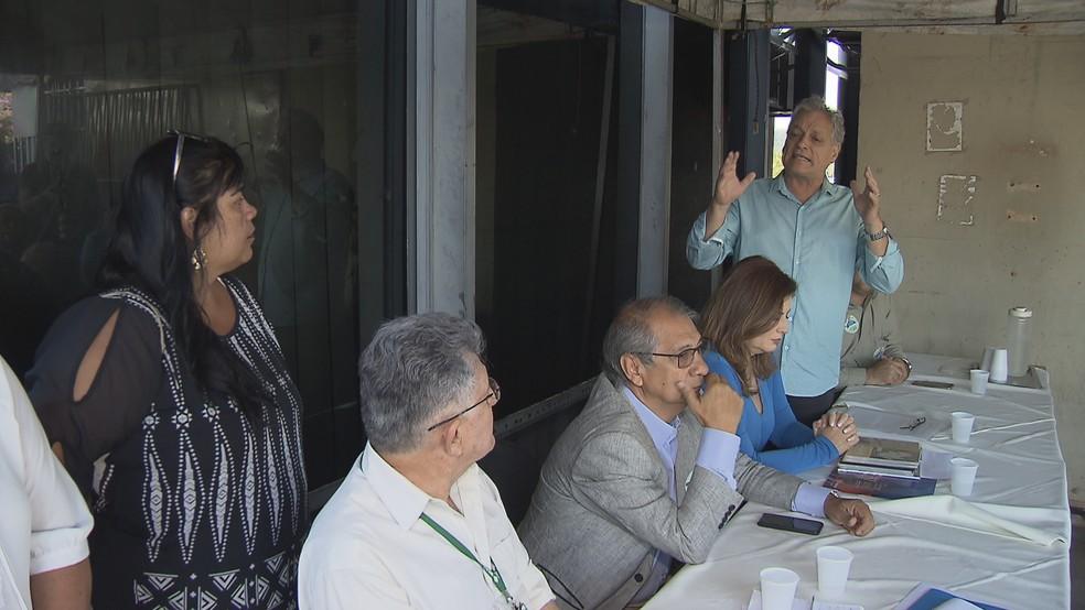 João Goulart Filho (PPL) durante reunião com apoiadores em Brasília — Foto: TV Globo/Reprodução