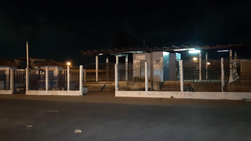 Suspeito foi preso pela PM próximo a Estação de Trem no bairro Nova Natal, na Zona Norte — Foto: Sérgio Henrique Santos/ Intertv Cabugi