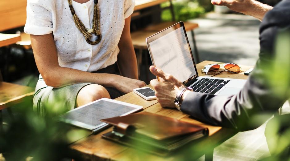 Acordo, emprego, parceria, trabalho, empreendedor, mulher (Foto: Pexels)