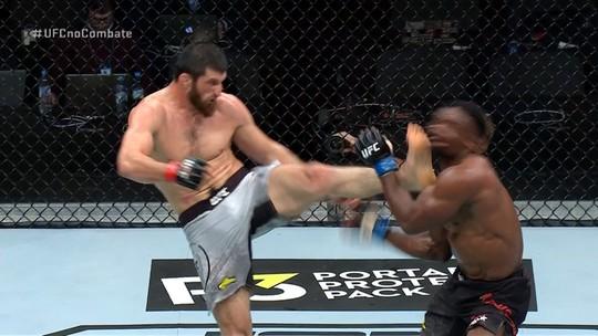 Melhores Momentos de Magomed Ankalaev x Dalcha Lungiambula no UFC Moscou
