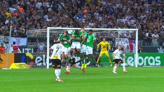 Ney Franco vê bom jogo da Chape e mérito do Corinthians em eliminação