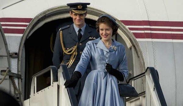 O ator Matt Smith e a atriz Claire Foy em cena de The Crown (Foto: Reprodução)