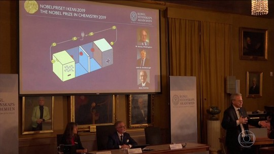 Nobel de Química 2019 vai para trio que desenvolveu baterias usadas em celulares e carros elétricos