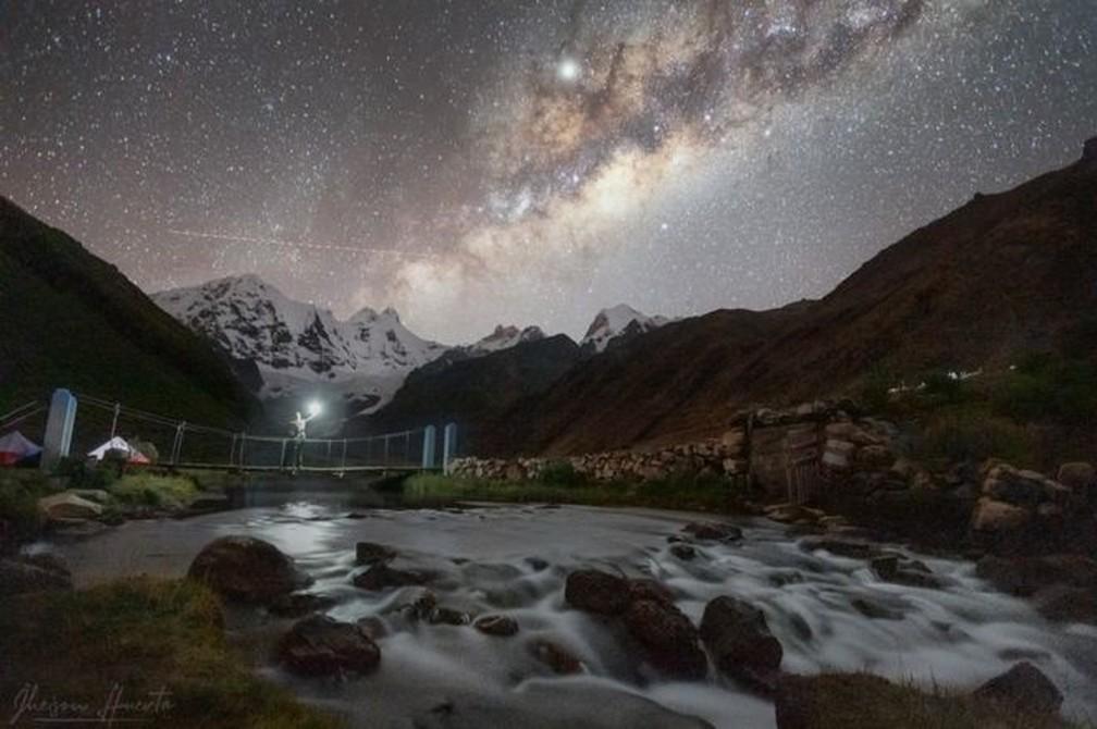 Laguna Jahuacocha, na cordihleira Huayhuash, no Peru — Foto: Jheison Huerta/BBC