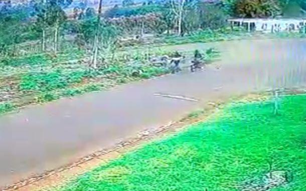 Grávida é morta a tiros, e marido consegue fugir após cair de moto; casal foi perseguido por suspeitos, em Campo Mourão