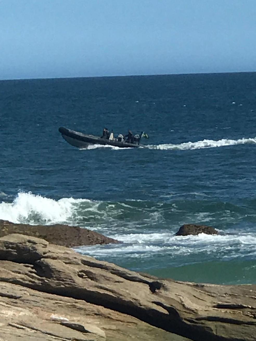 Marinha participou das buscas em Saquarema, no RJ  — Foto: Corpo de Bombeiros/ Divulgação