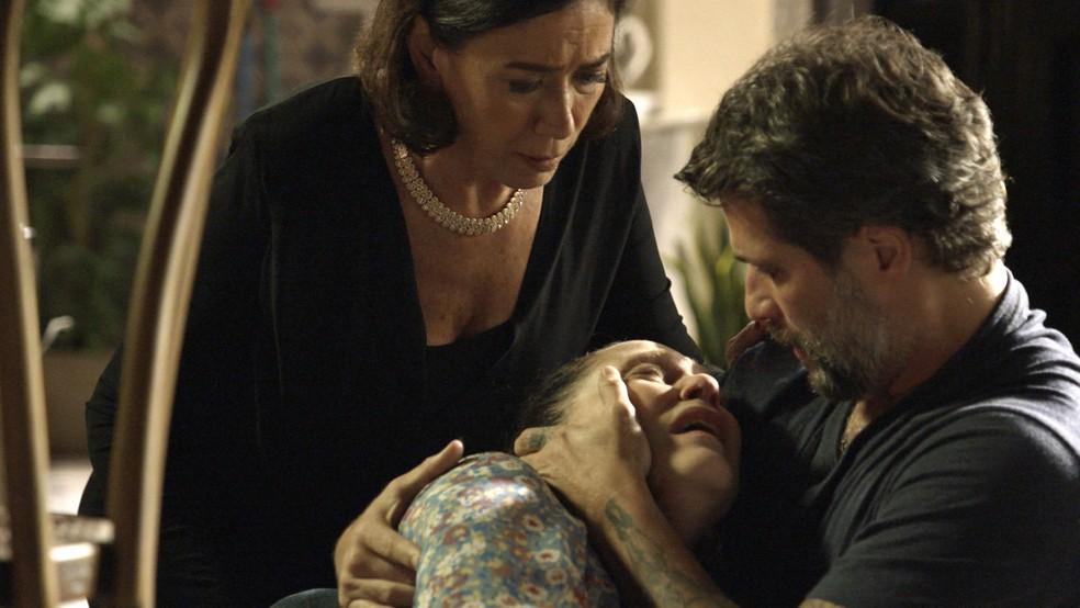 Judith (Isabela Garcia) confessa assassinatos a Gabriel (Bruno Gagliasso), na novela 'O Sétimo Guardião' — Foto: TV Globo