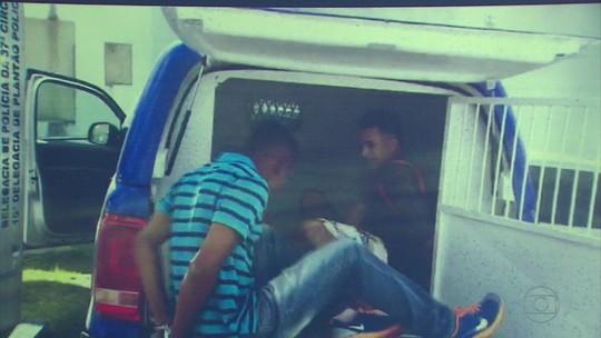 Jovens usavam quadra de escola para planejar assaltos a ônibus no Grande Recife, diz polícia