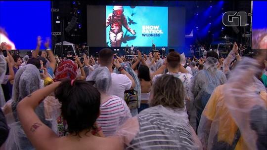 Shows são retomados no Lollapalooza depois de chuva forte
